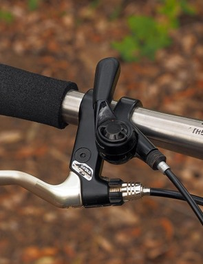 Check out the subtly textured blades on these SunTour XC Pro brake levers
