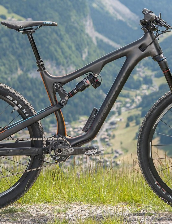 Lapierre's Zesty AM 827 E:I is a strong update on a renowned trail steed