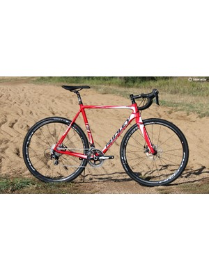 Ridley's 2016 X-Night comes in a variety of builds. This one features Shimano 105 and Spyre C mechanical disc brakes