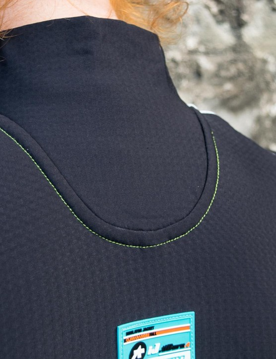 We like the feel of the collar with the extra-wide panel over the back of the neck