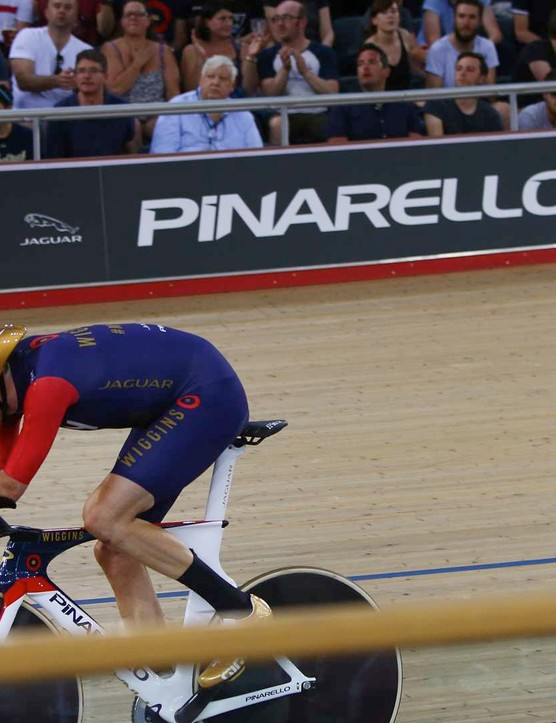 Bradley Wiggins puts the Hour Record out of reach