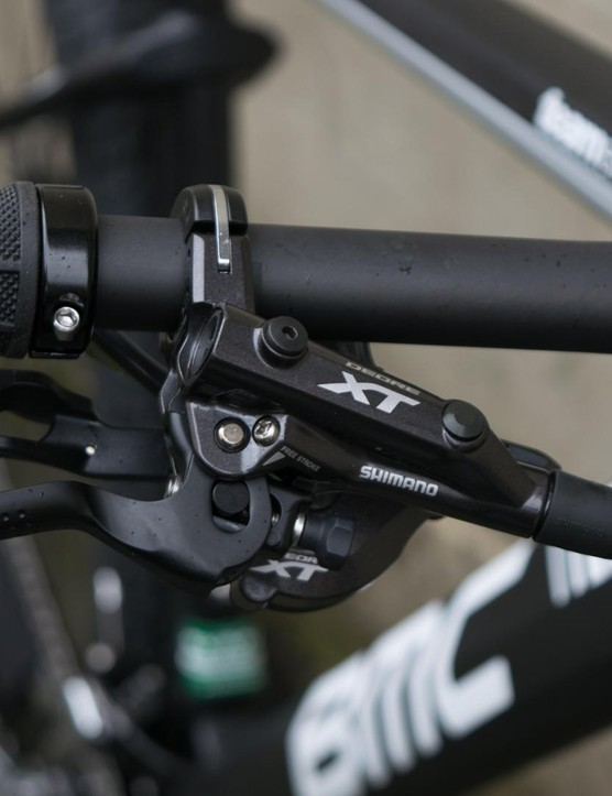 The latest generation XT brake lever and trigger shifter mount at the bar via one adjustable clamp