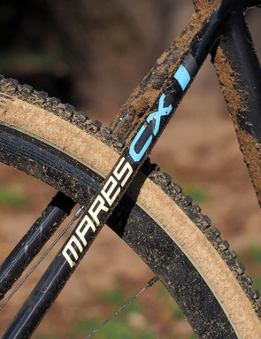 This latest Focus Mares CX Disc carbon chassis is a far cry from its predecessor with a notably smoother ride and calmer, more composed manners