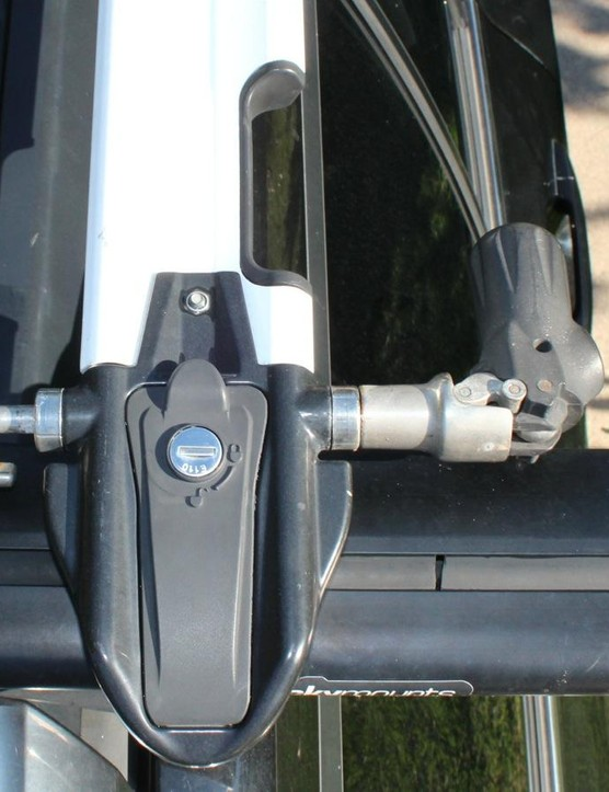 The Euro PitchFork locks to the basebar. Underneath the locking panel are two 4mm bolts for securing the tray