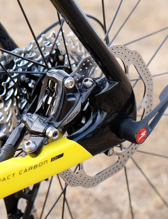 The CruX Elite X1 uses a 135x12mm thru-axle at the rear, which for the moment at least brings compatibility issues with it