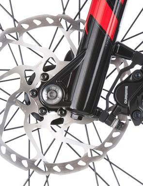 The 180mm Shimano hydraulic discs are welcome, because this ride takes some stopping