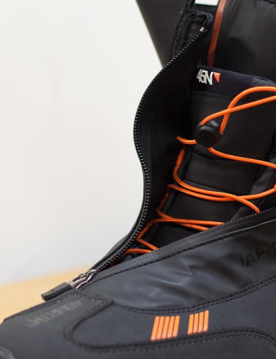 The upper membrane of the Japanther claims to be both highly breathable and waterproof and is sealed off with a highvelcro cuff to keep out seepage from above and maintain a full range of movement