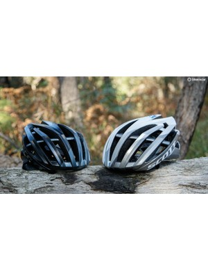 We found the sizing of the Vanish Evo a bit peculiar, with the size small (black helmet) too small for one tester and the medium (white helmet) too big