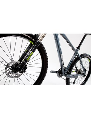 The SR Suntour fork can take a fair hammering without losing composure