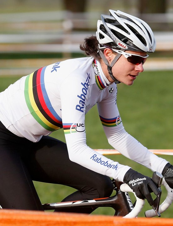 Marianne Vos in cyclocross action