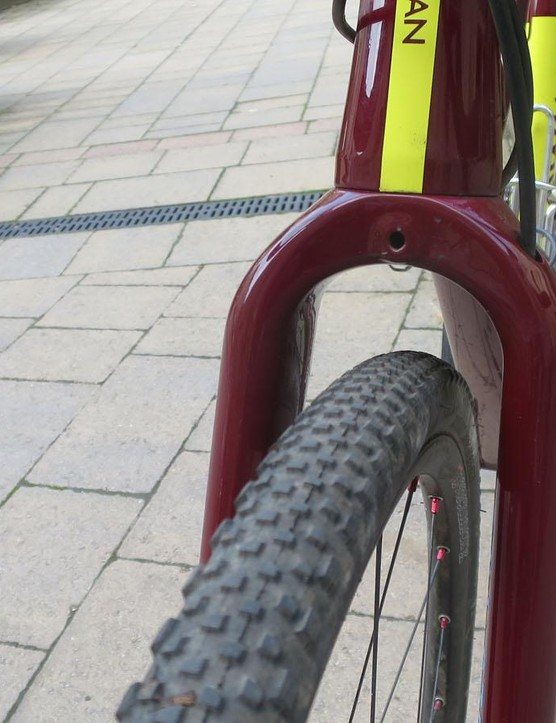 The fork also has masses of clearance, 76mm at the crown, so it'll take a 2.1in 29er tyre
