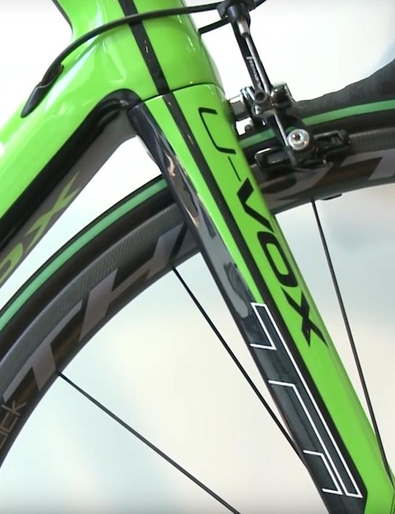 Photos show a Black Inc Thirty Clincher wheelset, although w'ere told the team will be rolling on wheels from Vittoria