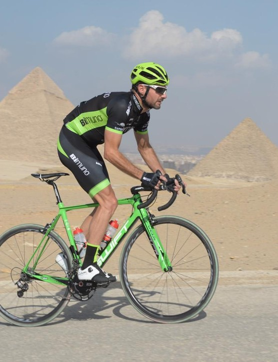 Mark Blewett riding his SwiftCarbon Ultravox Ti through Giza