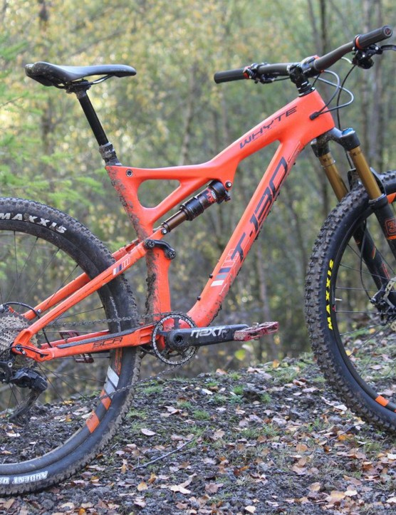 Whyte's new T-130C is longer, lower and slacker than the current 2015 alloy counterpart
