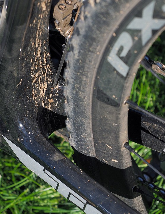 There's absolutely no shelf behind the bottom bracket on which mud and debris can build up