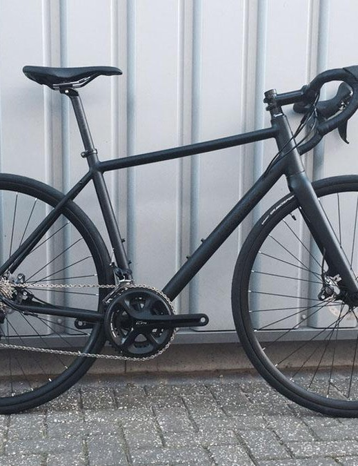 The range-topping Pinnacle Dolomite Six gets full Shimano 105, RS-685 shifters and Novatec hubs