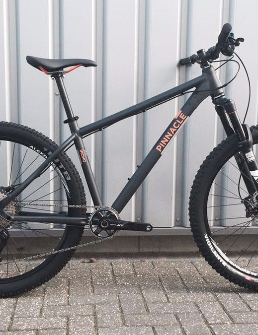 Pinnacle's new Iroko hardtail is its first 650b offering. It features a 67.2-degree head angle and 120mm fork, with the top-line Four model packing an XT 1x group and a Pike up front