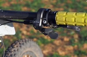 Synchro Shift lives on in Shimano's XTR Di2 mountain bike group