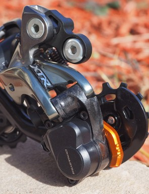 Smatterings of carbon fiber help keep the rear derailleur down to a reasonable 290g