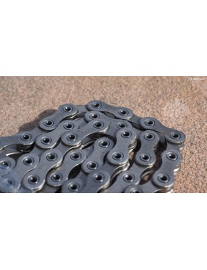 The new XTR chain features flush pins and circumferentially riveted heads to help hold everything together under extreme loads