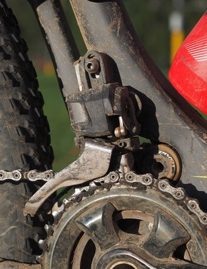 The front derailleur is shockingly light considering the power of the motor hidden within. It's not completely infallible, though, as the chain dropped to the inside a few times to the inside during testing despite what was deemed to be a perfect setup