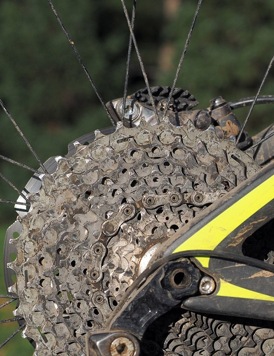 The 2x drivetrain largely negates the limitations of the relatively narrow XTR cassette range. That said, it'd still be nice to see a bigger spread here