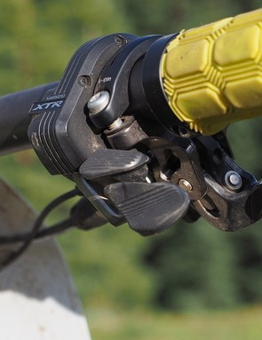 All of the BikeRadar testers who have used XTR Di2 would have preferred a shifter paddle layout that was more analogous to the standard XTR paddles