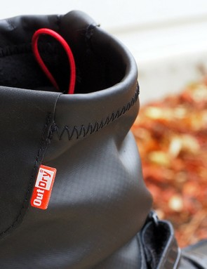 A combination of water- and windproof outer materials and plenty of built-in insulation promise ample protection for your feet this winter