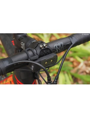 The front mount is particularly slick, taking up little room on the bars and occupying a pleasantly central space