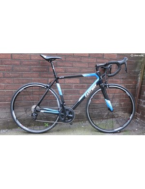 The Eastway Emitter R3 comes with a complete 105 groupset and Shimano wheels for £1,100