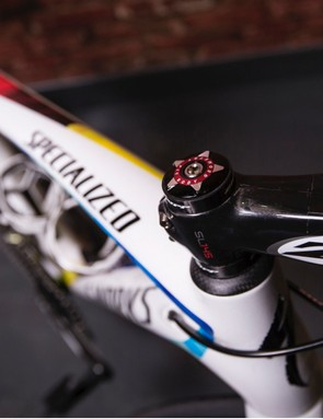World champ colours run in an oblique stripe across the top tube