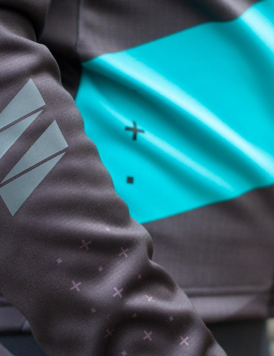 Reflective details feature on the arms and on the rear of the ASV Roubaix jersey