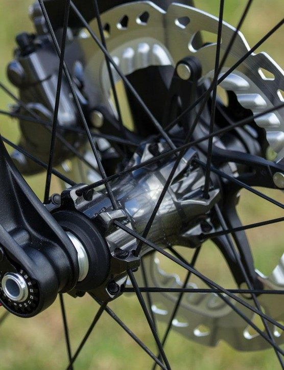 Shimano continues with its angular-contact cup-and-cone hub system. It absolutely offers precise adjustment, smooth rolling and impressive durability – but the weight and lack of convertible axles is increasingly an issue