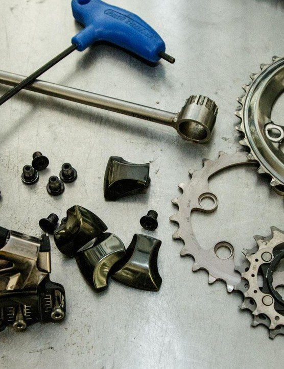 At first I was going to build the bike 2x11, but was forced to ditch the front gears. This was the aftermath