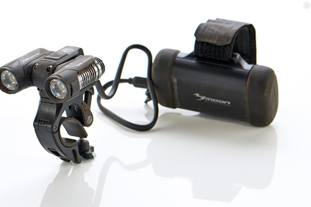 The Moon X1300 Adjustable is a novel mountain bike lighting solution