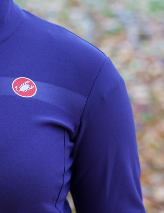 Designed to be breathable and water resistant, the Gabba is a proven favourite with the men's pro peloton