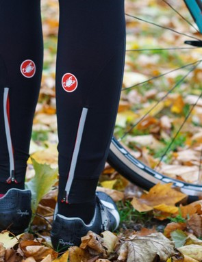 The Castelli Women's Sorpasso Bibtight has fleece-lined Lycra for insulation and warmth, and rear zip closures on the ankles with reflective trim