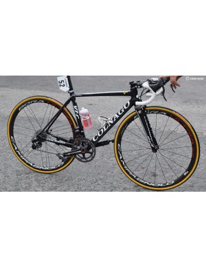 There's no traditional lugged frame here, but the V1-r still has the pleasing aesthetic the Colnago brand is famous for