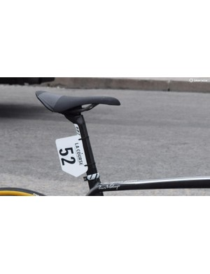 The seatpost also has the airfoil shape and uses a forged alloy head. The saddle is a Fizik Arione CX Carbon