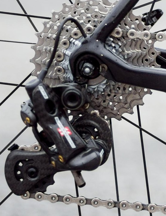 No expense has been spared on the transmission, which is provided by the high-end Campagnolo Super Record EPS
