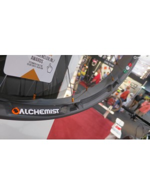 The Alchemist all-mountain rims industrial appearance masks an impresisvely low weight of 1260g a pair (650b clinchers)