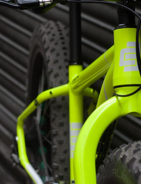 Tyre clearance at the alloy fork is vast