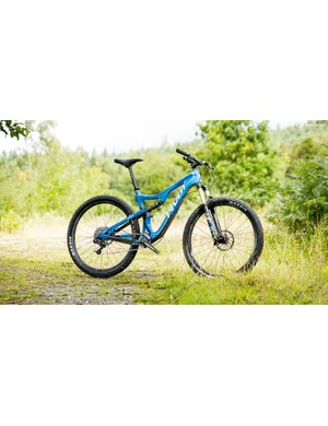 Pivot's Mach 429 Trail is a fast-rolling and impressively composed 29er
