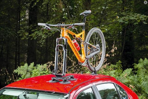 Seasucker's Talon roof rack holds tight to your car