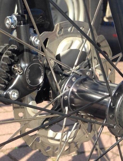 Van der Haar's TCX features Shimano BR-RS785 disc brakes and a 15mm front thru-axle