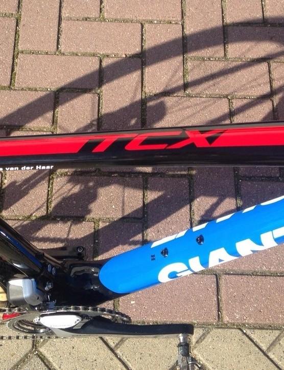 Van der Haar's TCX Advanced Pro gets a custom Team Giant-Alpecin paint scheme, similar that of the TCR Advanced SL that he races on the road