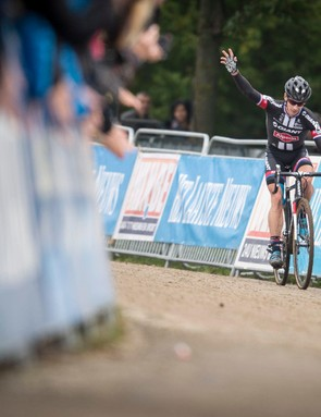 Winning for a third time in as many years, Van der Haar once again proved that he is the man to beat at the Valkenburg World Cup