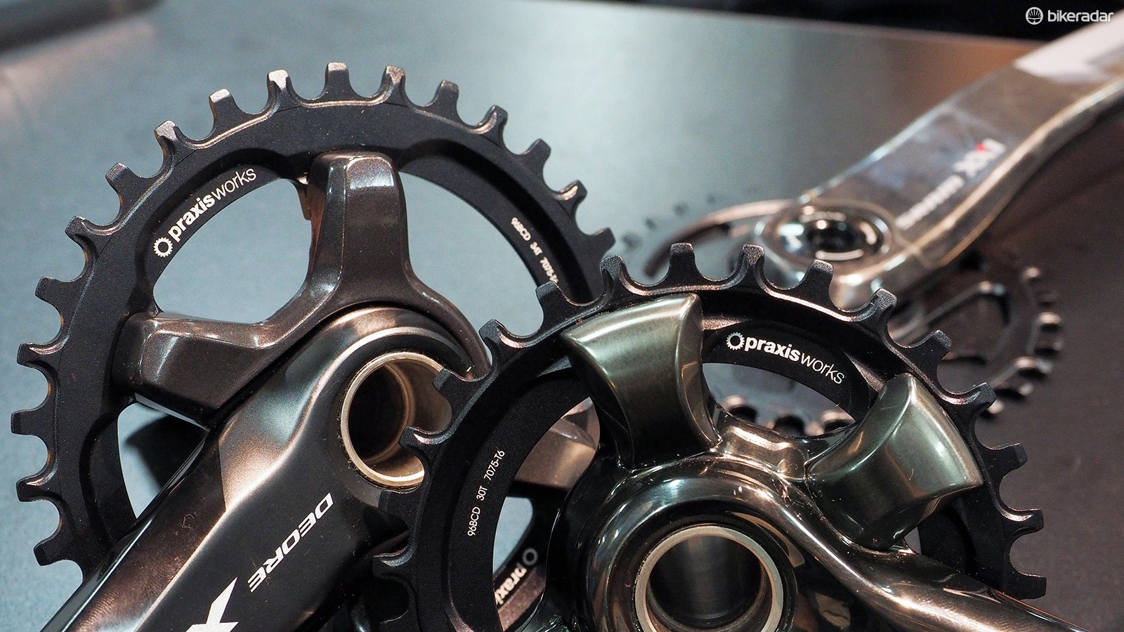 Praxis has added new 1x-specific narrow/wide chainrings to fit the latest Shimano XT and XTR crankarms