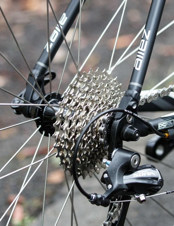 Although only 9-speed, the Specialized Allez E5 Sport offers an enormous gear range - that's a 11-32T cassette