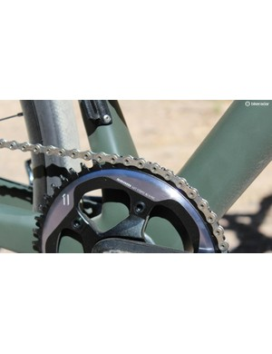 The frame comes with a derailleur hanger as a Plan B, but Plan A is a 46t single ring